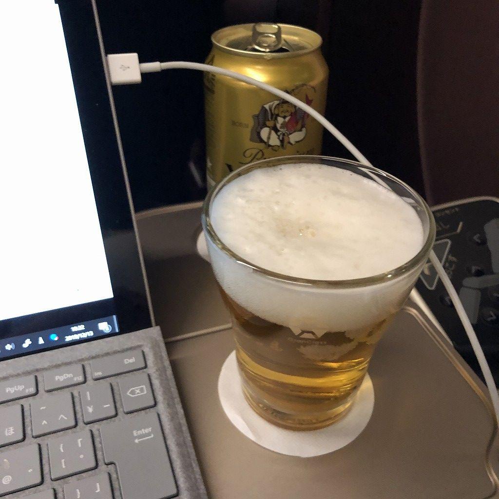 かがやき512号のグランクラスのエビスビール