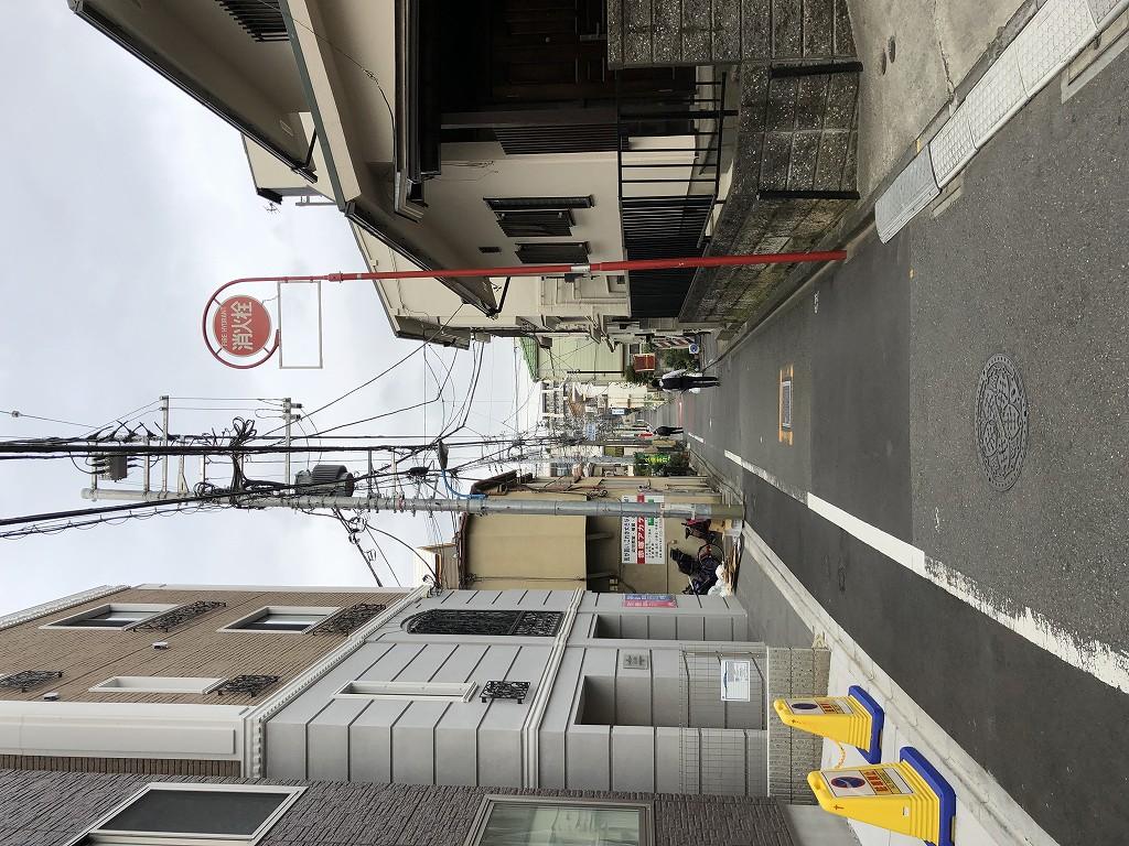 神楽坂の赤城神社に続く細い路地