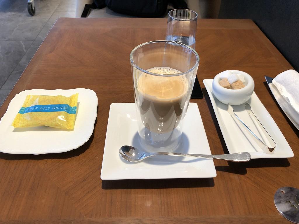 ビューゴールドラウンジのカフェラテ