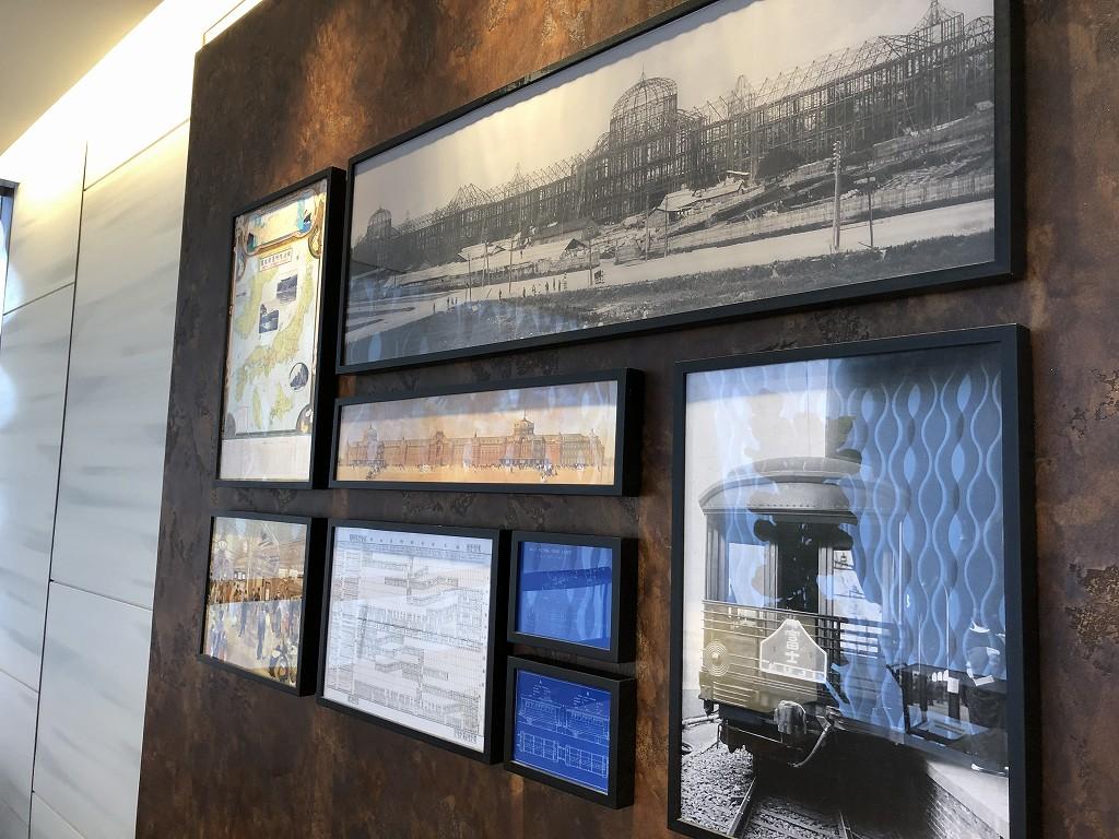ビューゴールドラウンジの壁の展示2