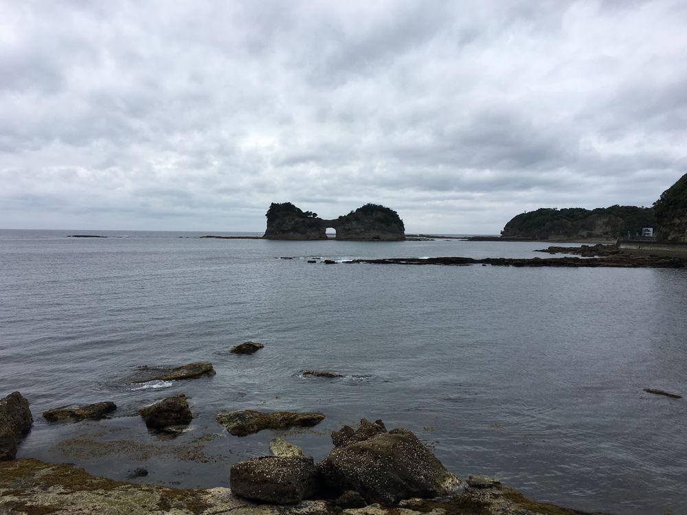 円月島近景