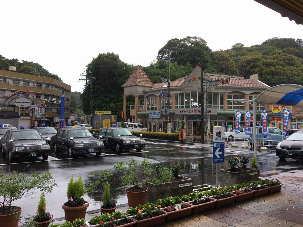 JR白浜駅前の風景1