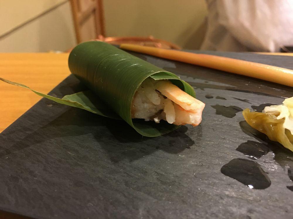 義心のエビの笹の葉寿司