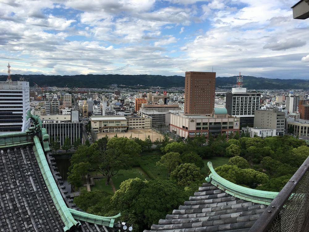 和歌山城の天守閣から高野山