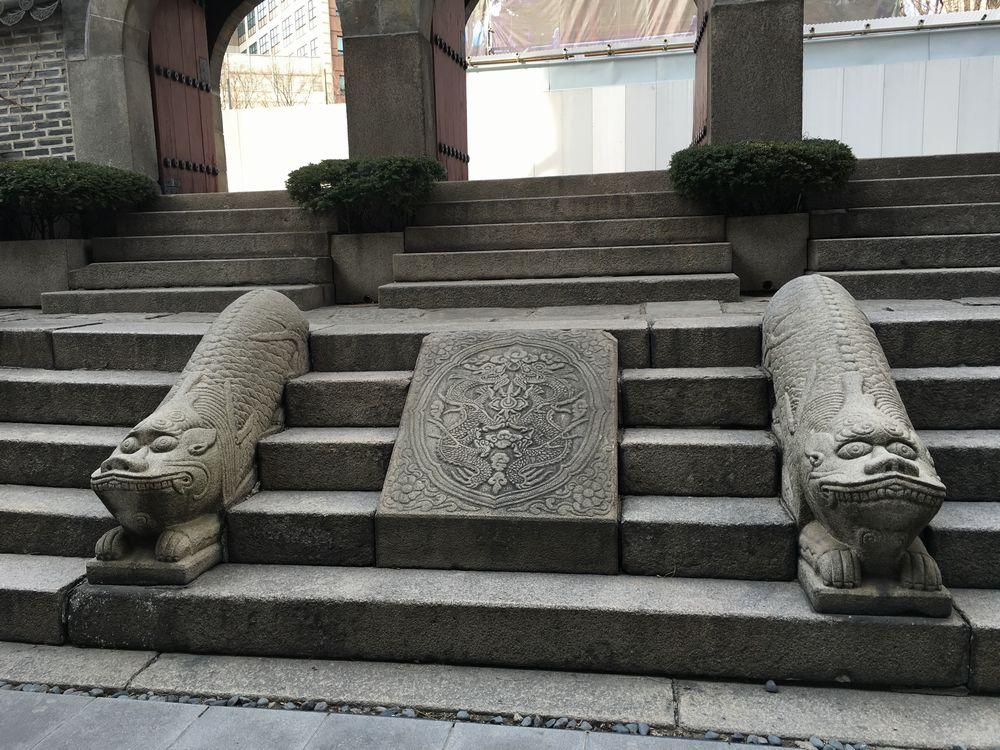 圜丘壇の石彫大門の踏道