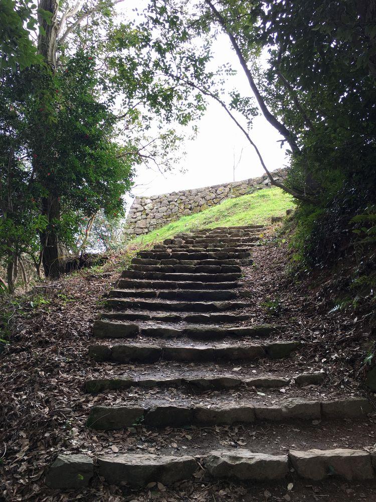 米子城跡の坂道3
