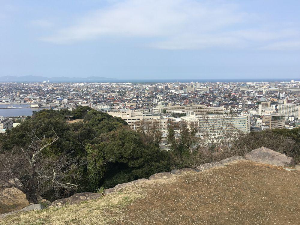 米子城跡の本丸跡から島根半島