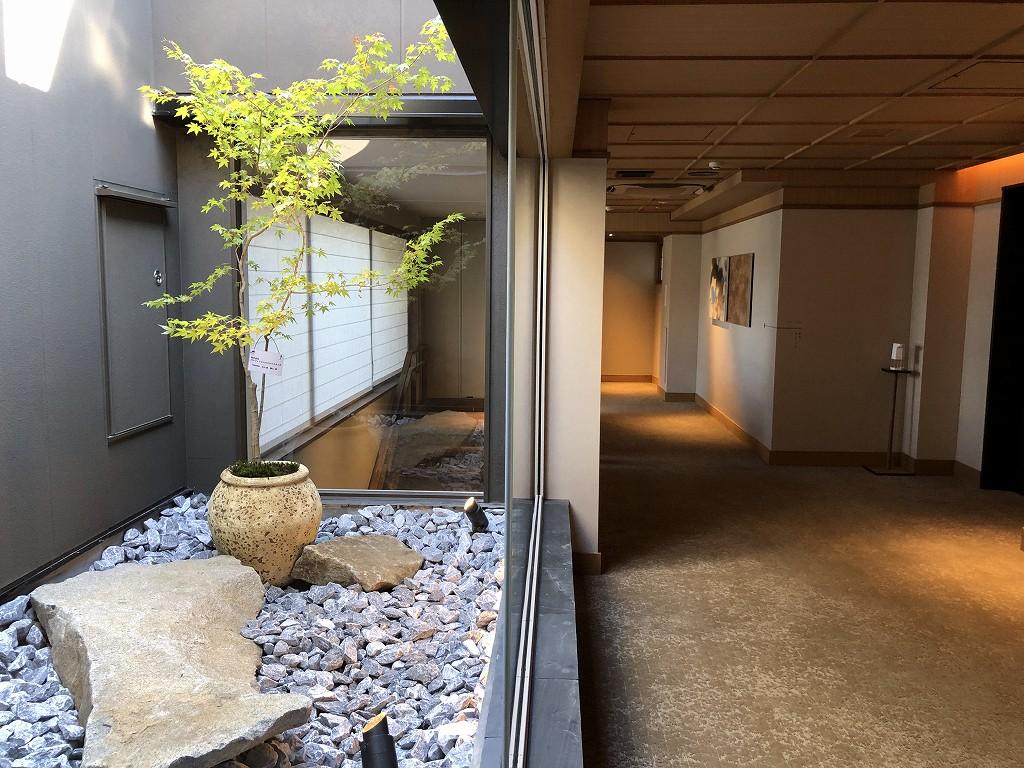 由縁別邸 代田の2階の廊下1