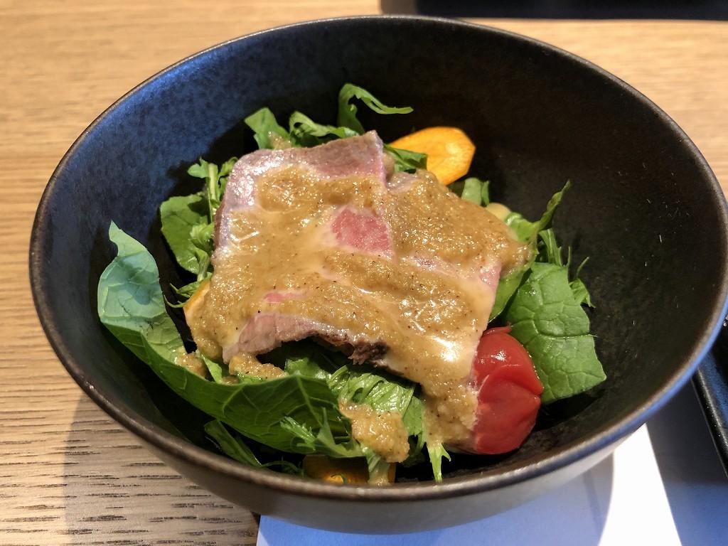 由縁別邸 代田の「割烹 月かげ」の朝食のサラダ