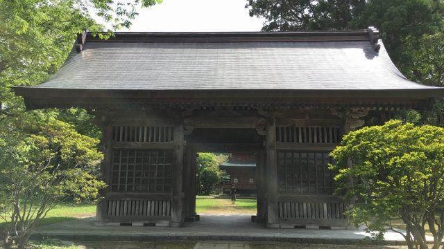 秋田の日吉八幡神社の随神門