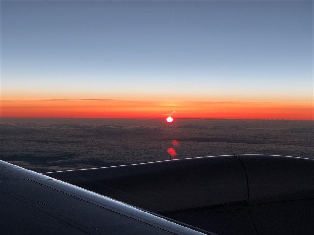 JAL422便ビジネスクラスからの夕焼け