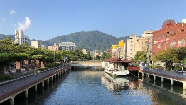 呉の小春橋からの灰ヶ峰