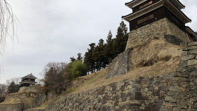 上田城の尼ヶ淵の崖