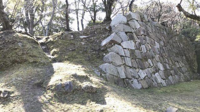 福島正則改易の原因となったといわれる石垣